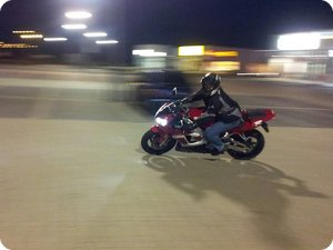Yamaha R1 by night