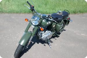 Bullet 500 EFI in »classic battle green«